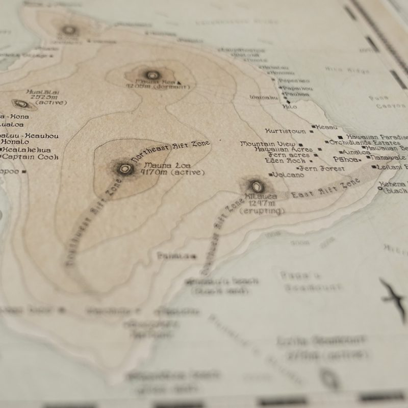 Large decorative map of Hawaii State